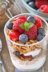 gluten-free-granola-parfaits